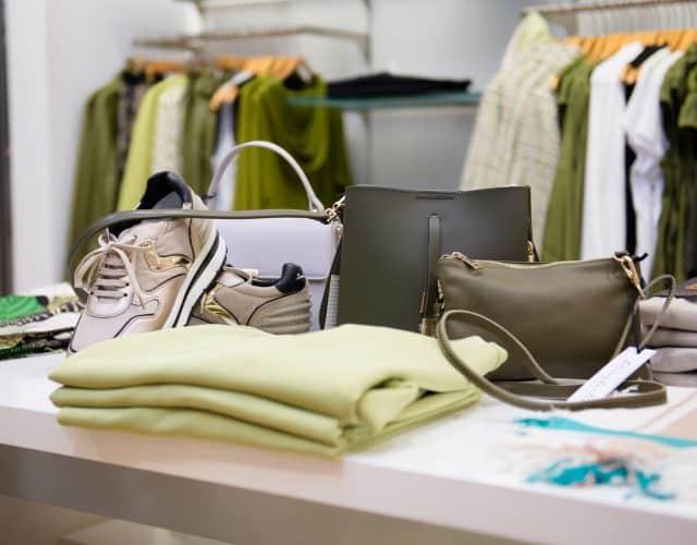 Outfit des Monats Personal Shopping 2021 Modehaus Obermaier Moden Glonn Grafing